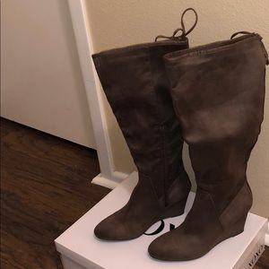 XoXo Women's Fall Boots